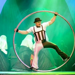 German Wheel & Cyr Wheel - Circus Entertainment in Sarasota, Florida