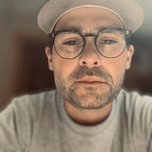Aaron Mallin - Singing Guitarist in Toronto, Ontario