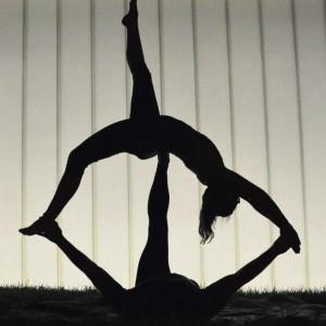 Acrobatic Yoga Performance - Acrobat / Circus Entertainment in Kansas City, Missouri