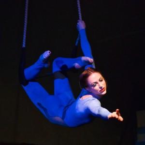 Zoe Irvine Circus Artist - Aerialist in San Diego, California