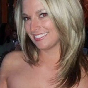 Airbrush makeup artist - Makeup Artist / Airbrush Artist in Dixon, Illinois