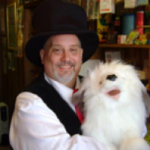 Alabama Jones - Birthday Party Magic - Children's Party Magician in Blue Springs, Missouri