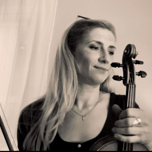 Alice Malone - Violinist in Orleans, Massachusetts