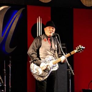 Robert Burton Hubele - Singing Guitarist in Calgary, Alberta