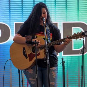 Alyssa Enright - Singing Guitarist in Fort Wayne, Indiana