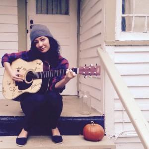 Amanda Navares - Singing Guitarist in Seattle, Washington