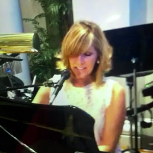 Andrea Ross Batson - Singer/Pianist - Singing Pianist in Denver, Colorado