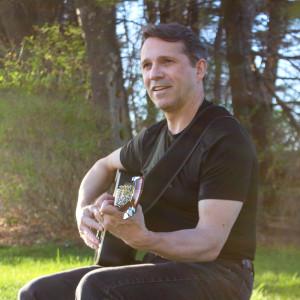 Andrew Favreau - Singing Guitarist in Portland, Maine