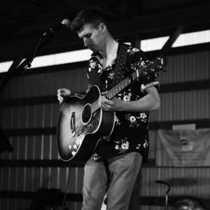 Andrew Moorer - Singing Guitarist in Moorestown, New Jersey