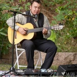 Andrew Perez - Singing Guitarist in Modesto, California