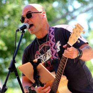 Andy Cook - Singing Guitarist in Vaudreuil-Dorion, Quebec