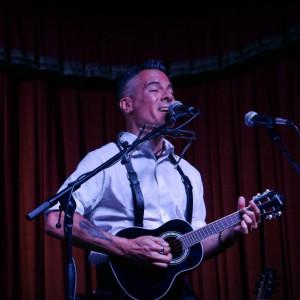 Arthur Yoria - Singing Guitarist in Houston, Texas