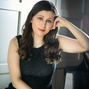 Ashley Simon - Singing Pianist in Ann Arbor, Michigan