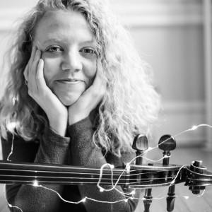 Audrey Q Snyder - Cellist in Chicago, Illinois