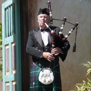 Pipe Major Bill Boetticher - Bagpiper in Ventura, California