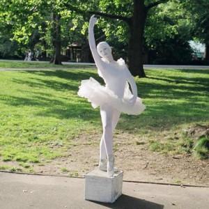 Ballerinamime - Human Statue in New York City, New York