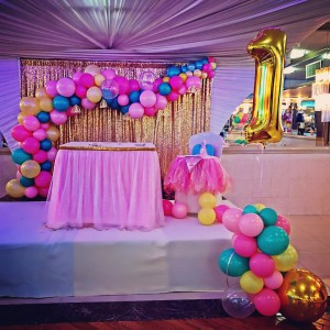 Balloons By REquest - Balloon Decor / Balloon Twister in Springfield Gardens, New York