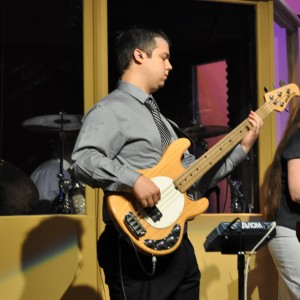 Bass Player- works with groups - Bassist in Knoxville, Tennessee