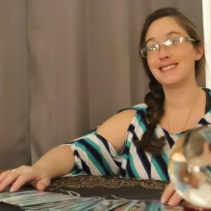 Betsy Figueroa Tarot Reader - Tarot Reader / Psychic Entertainment in San Antonio, Texas