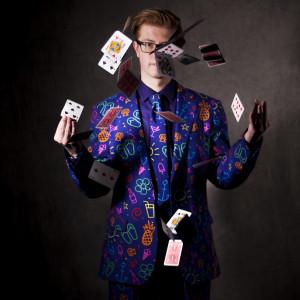 Beyondmagic4ever - Strolling/Close-up Magician / Magician in Aurora, Colorado
