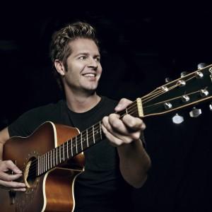 Bray - Singing Guitarist in San Francisco, California