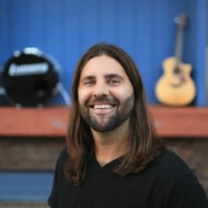 Bruce Day - Singing Guitarist in Des Moines, Iowa