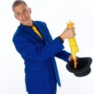 Bryan Gilles Comedy Magic - Comedy Magician in Redding, California