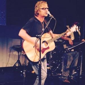 Bryan Wade Music - Singing Guitarist in Maui, Hawaii