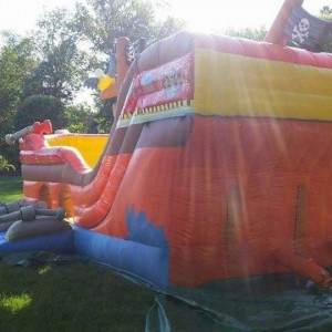 Candy Lane and Moonbounce Rentals LLC - Party Inflatables / Family Entertainment in Shelton, Connecticut
