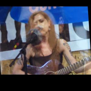 Carrie Collins - Singing Guitarist in Pittsburgh, Pennsylvania