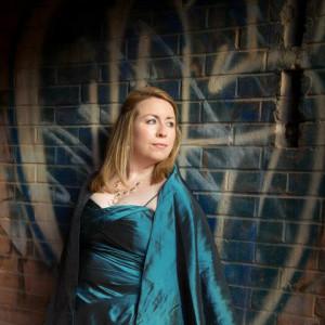 Catharin Carew, mezzo soprano - Opera Singer / Classical Singer in Toronto, Ontario