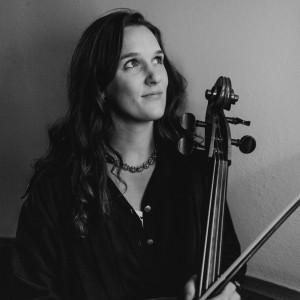 Cello Jules - Cellist in Minneapolis, Minnesota