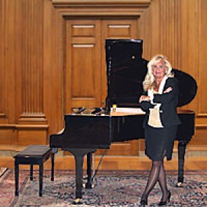 Chicago's # 1 Special Event Pianist Kathie Nicolet - Pianist in Chicago, Illinois