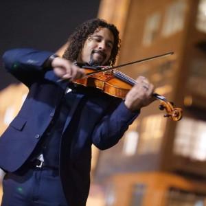 Chris Barbosa Music - Violinist / Strolling Violinist in Tampa, Florida