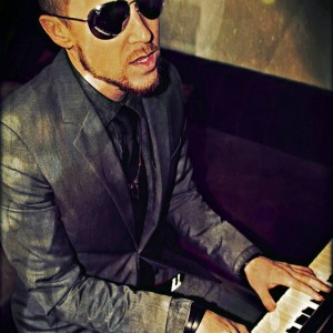 Chris Morris - Singing Pianist in San Diego, California