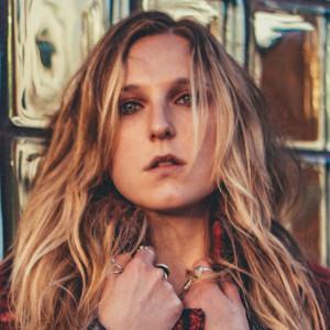 Christina Brennan: solo singer/guitarist - Singing Guitarist in Philadelphia, Pennsylvania