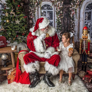 Merry Christmas Entertainment and Real Bearded Santas