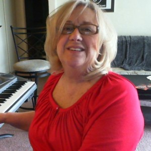 Chrys Page - Singing Pianist in Albuquerque, New Mexico