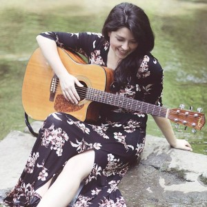Claire Kelly - Singing Guitarist in Milwaukee, Wisconsin