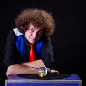 Collinsmagik - Corporate Magician in Mississauga, Ontario