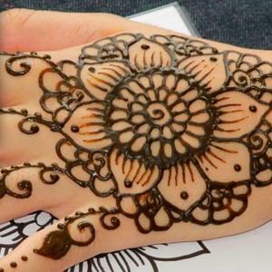 Cool Henna by Rozine - Henna Tattoo Artist / Psychic Entertainment in Tustin, California