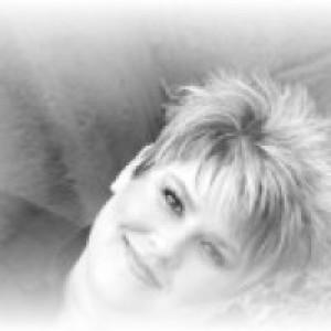 Crystal Dawn - Country Singer in Branson, Missouri