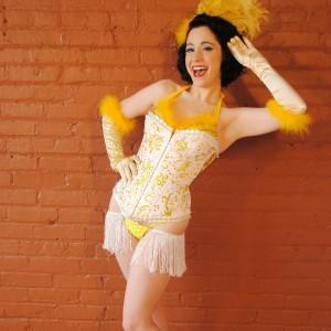 Dahlia D'Luxe - Burlesque Entertainment in Cleveland, Ohio