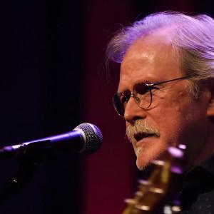 Dale Sechrest - Singing Guitarist in Columbus, Indiana