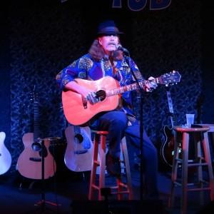 Dan Roark - Singing Guitarist in Dallas, Texas