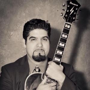 Daniel Garza entertainment - Singing Guitarist in San Antonio, Texas
