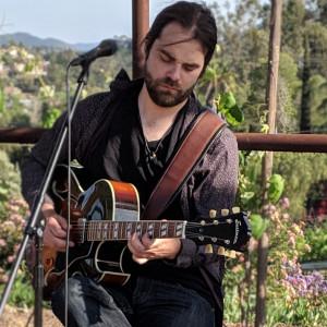 Daniel Newheiser - Singing Guitarist in San Diego, California