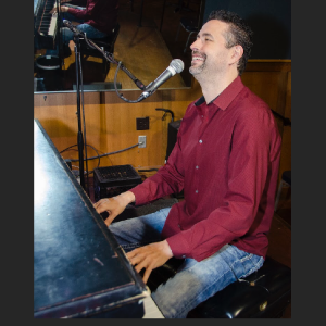 Daniel McElroy Dueling Piano Player - Dueling Pianos / Pianist in Pittsburgh, Pennsylvania