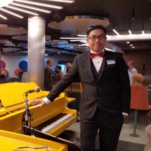 Dante Salamante - Singing Pianist in Elgin, Illinois