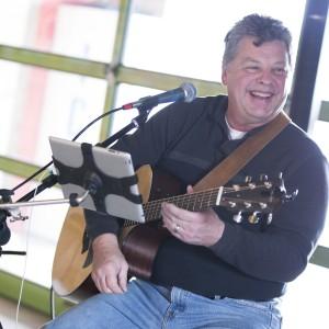 David Edrington - Singing Guitarist in St Louis, Missouri